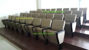 Kursi Auditorium type LL516 TB di UHAMKA