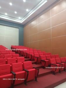 Kursi Auditorium di Politeknik Negeri Manado