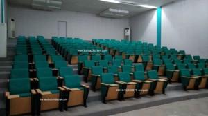 Kursi Auditorium di Fakultas Pertanian Universitas Lampung (UNILA)